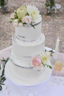 Semi Cream Cake